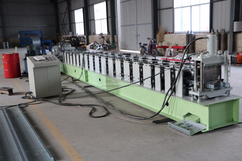 Steel C frame cold roll forming machine with punching logo
