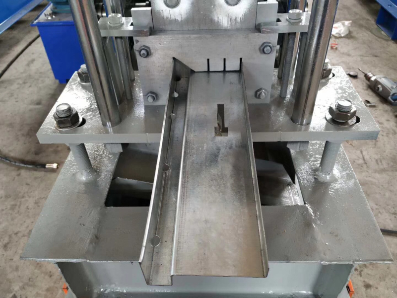 How Is The Roll Forming Machine Operated And Maintained?