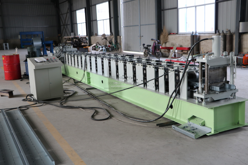 Steel C frame cold roll forming machine with punching logo&holes